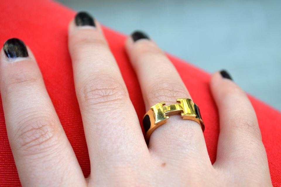 Nail Polish: Noir Ceramic Chanel, Ring: Hermes