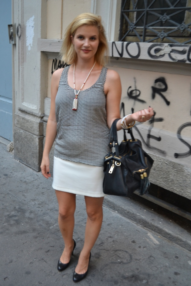 Top: Maje, Jacket: Claudie Pierlot, Skirt: Silikon, Bag: Sandro