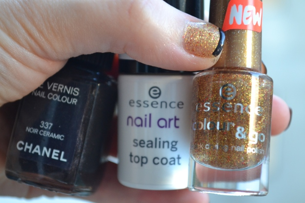 Essence / Chanel Manicure