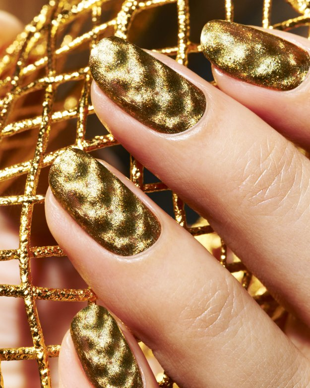 Magnetic Fishnet Gold, Nails Inc