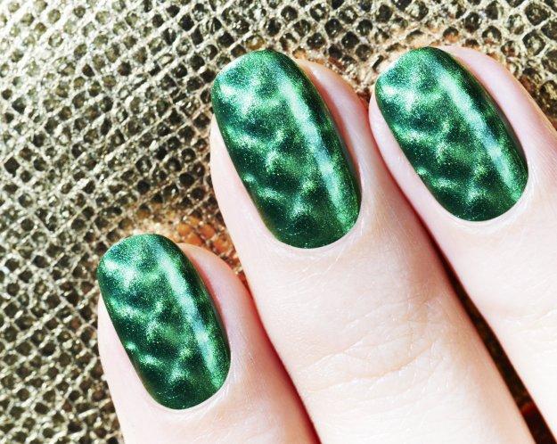 Magnetic Fishnet Green, Nails Inc