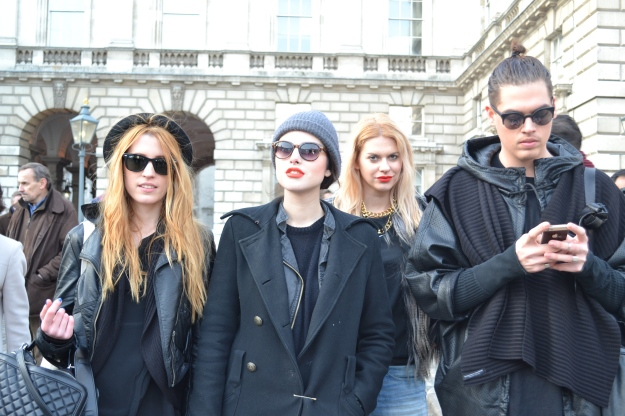 Street Style Pictures London Fashion Week
