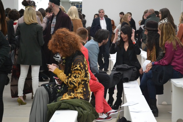 bloggers at work london fashion week