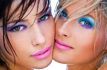 organising summer makeup